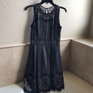Vince Camuto lace sleeveless